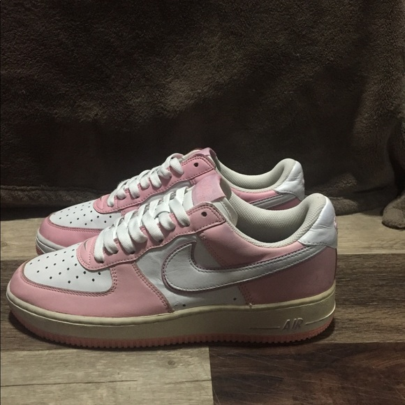 buy popular d329d 4ad63 Nike Air Force 1 Women's Size 9.5